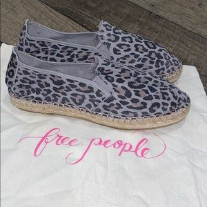 Authentic Free People suede leather print flats 9